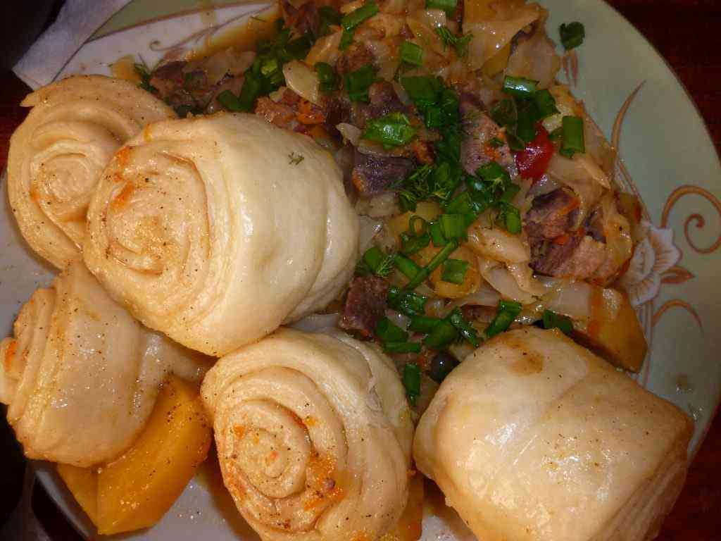 Штрудели с мясом и картофелем