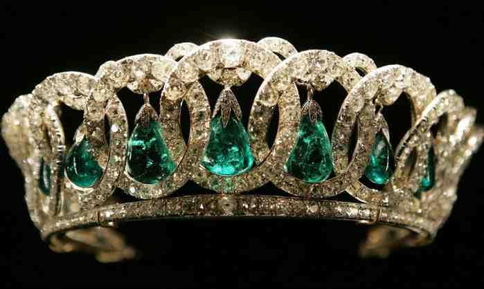 Тиара королевы Елизаветы II