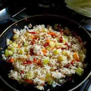 Рис с мясом по-перуански
