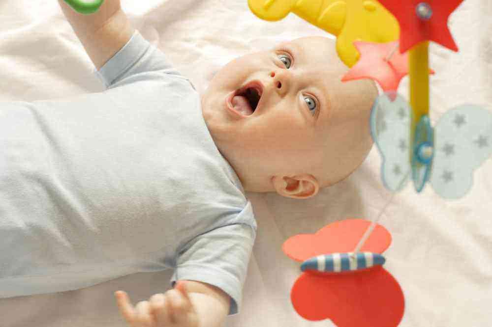 Развитие мальчика в 3 месяца