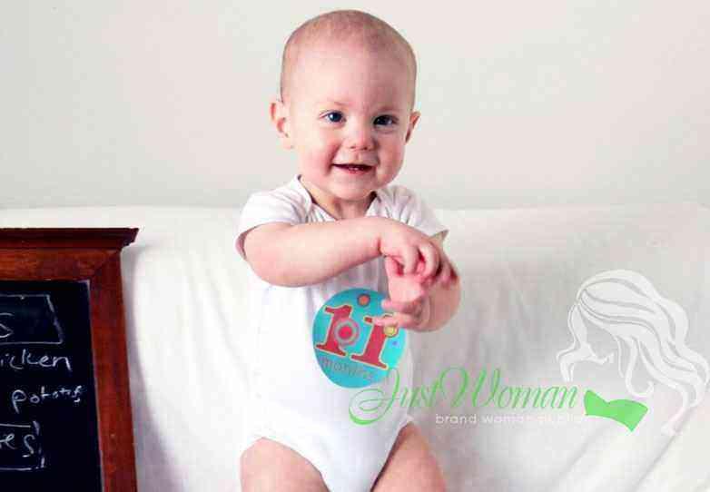 Развитие мальчика в 11 месяцев