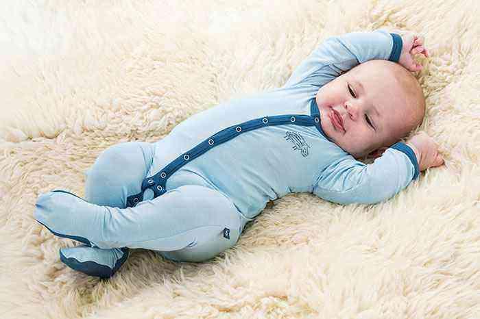 Как одеть новорожденного весной
