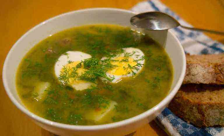 Суп с курицей и яйцом