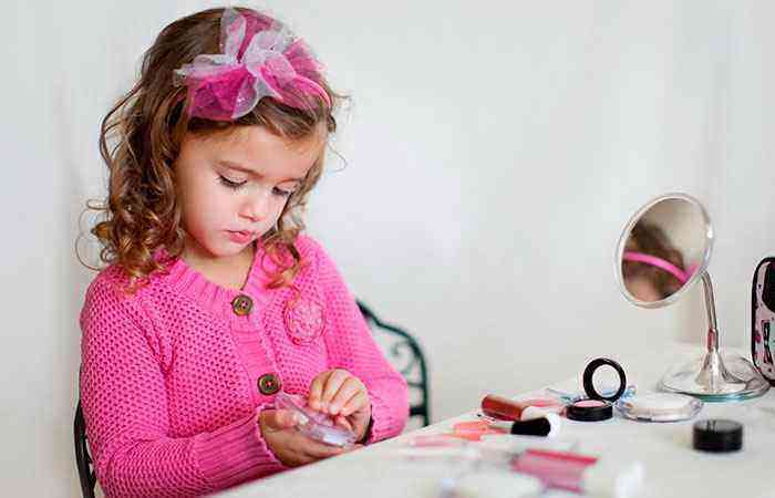 Что подарить ребенку на три года девочке